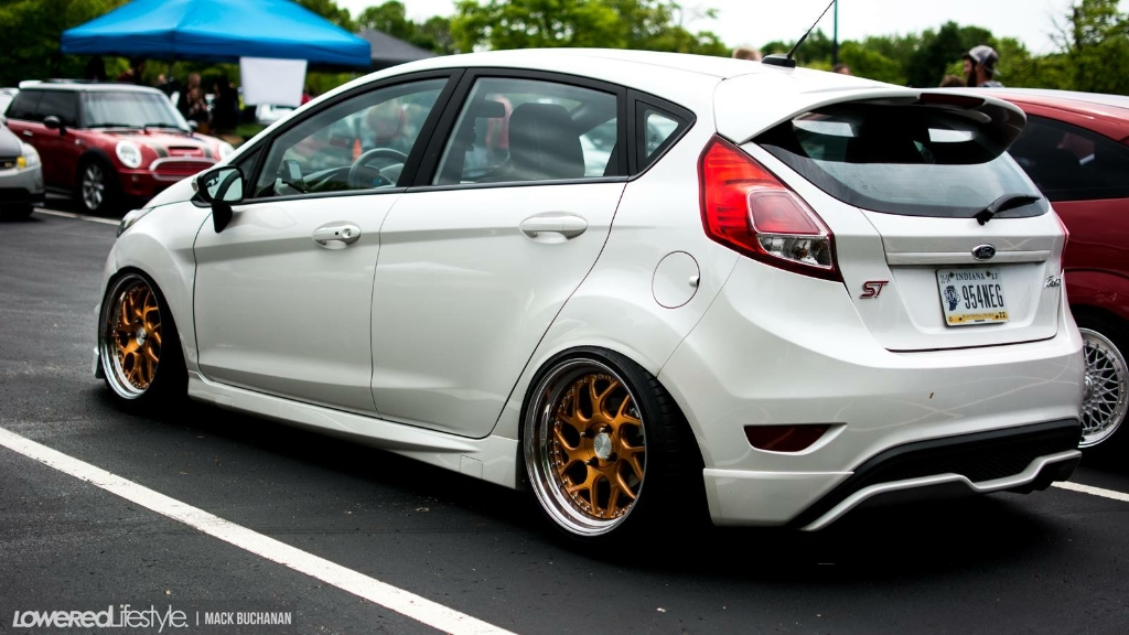 ford-fiesta-st-f111-brushed-gold-bullion-wheels-2
