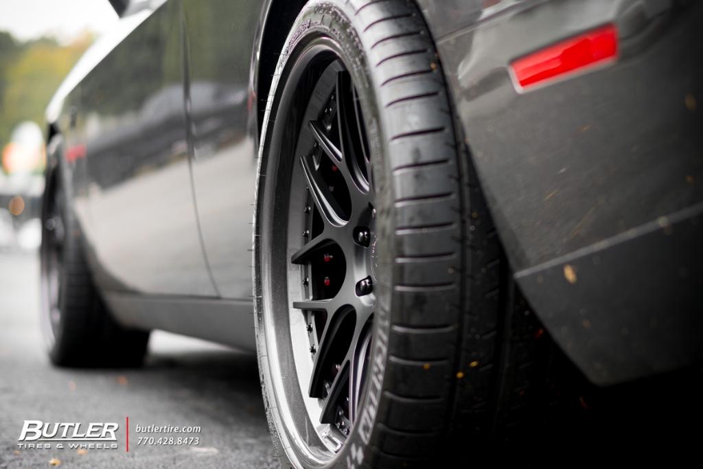 Dodge Challenger Hellcat With 21in Avant Garde F510 Wheels