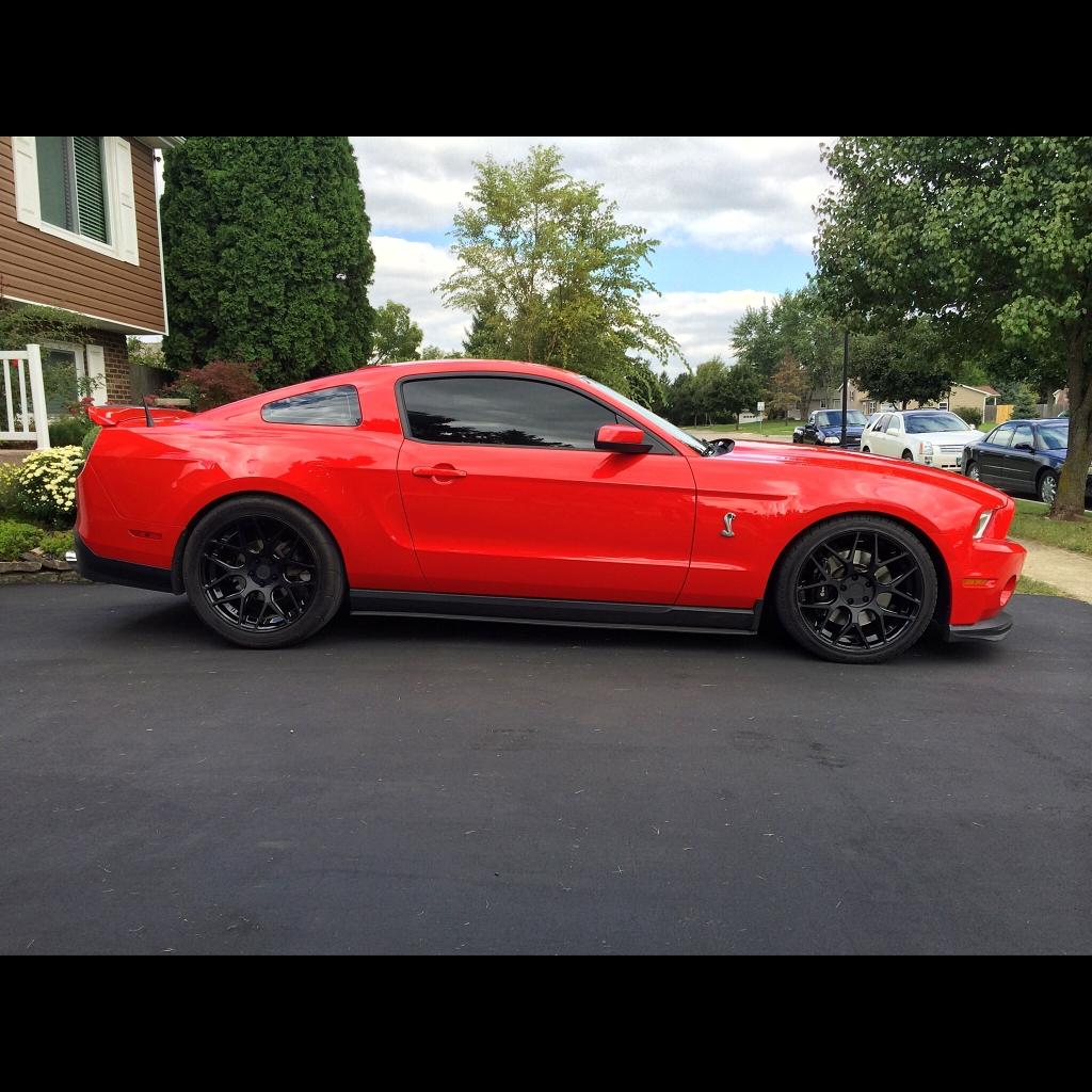 Ford Mustang M590 Dual Black Wheels
