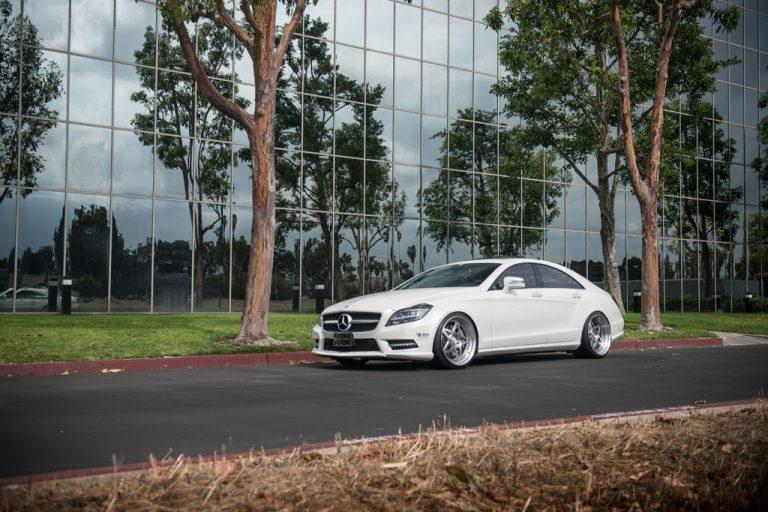 white mercedes benz cls550 cls sedan f132 star spoke forged wheels matte brushed step lip rims 20 inch front side ag avant garde