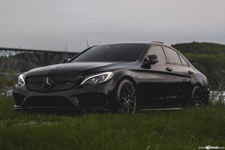 Mercedes-Benz C43 AMG on Avant Garde M520R in the standard Dark Graphite Metallic finish.